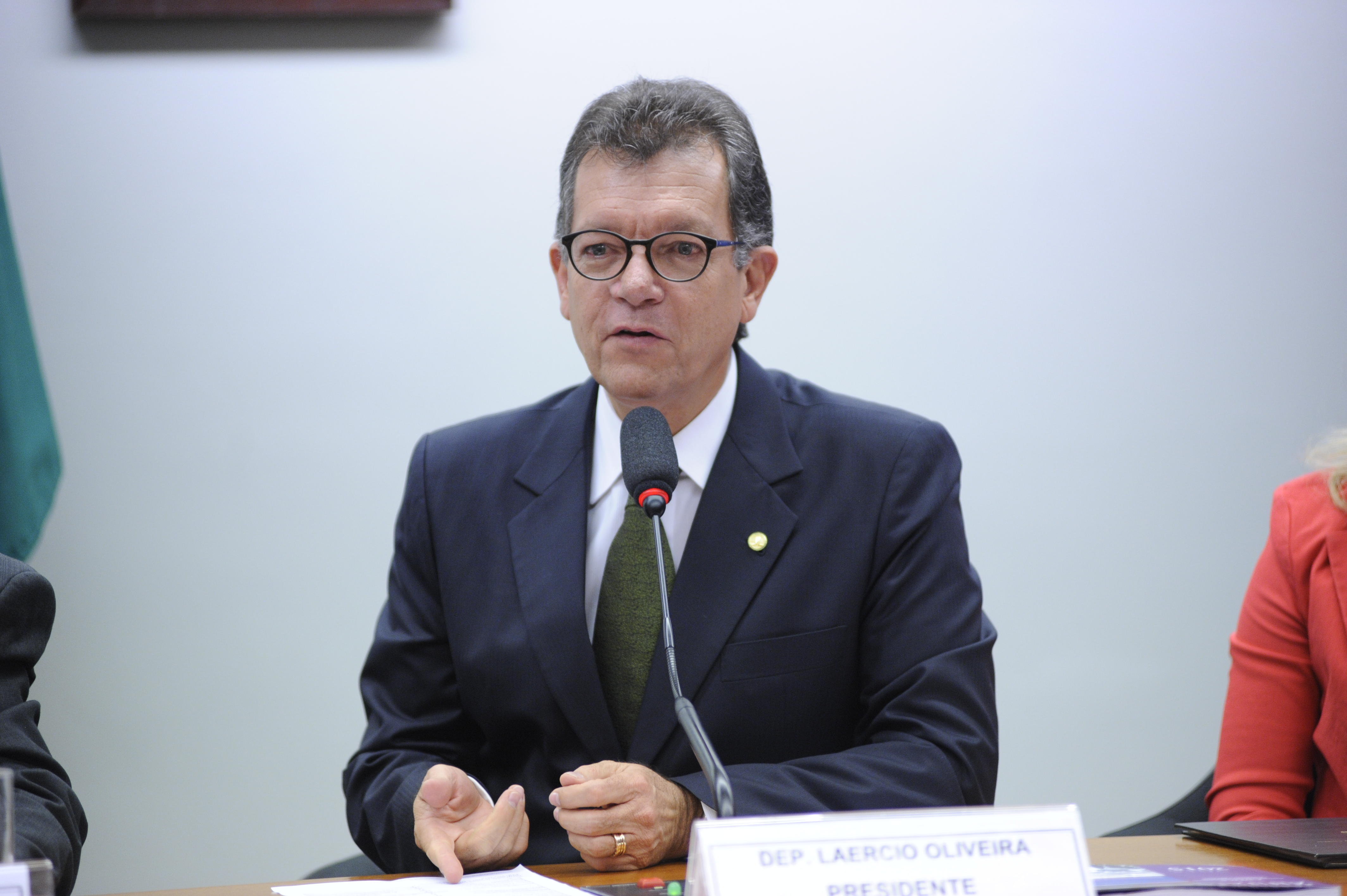 Comissão aprova obrigatoriedade de contribuição patronal sobre a receita bruta
