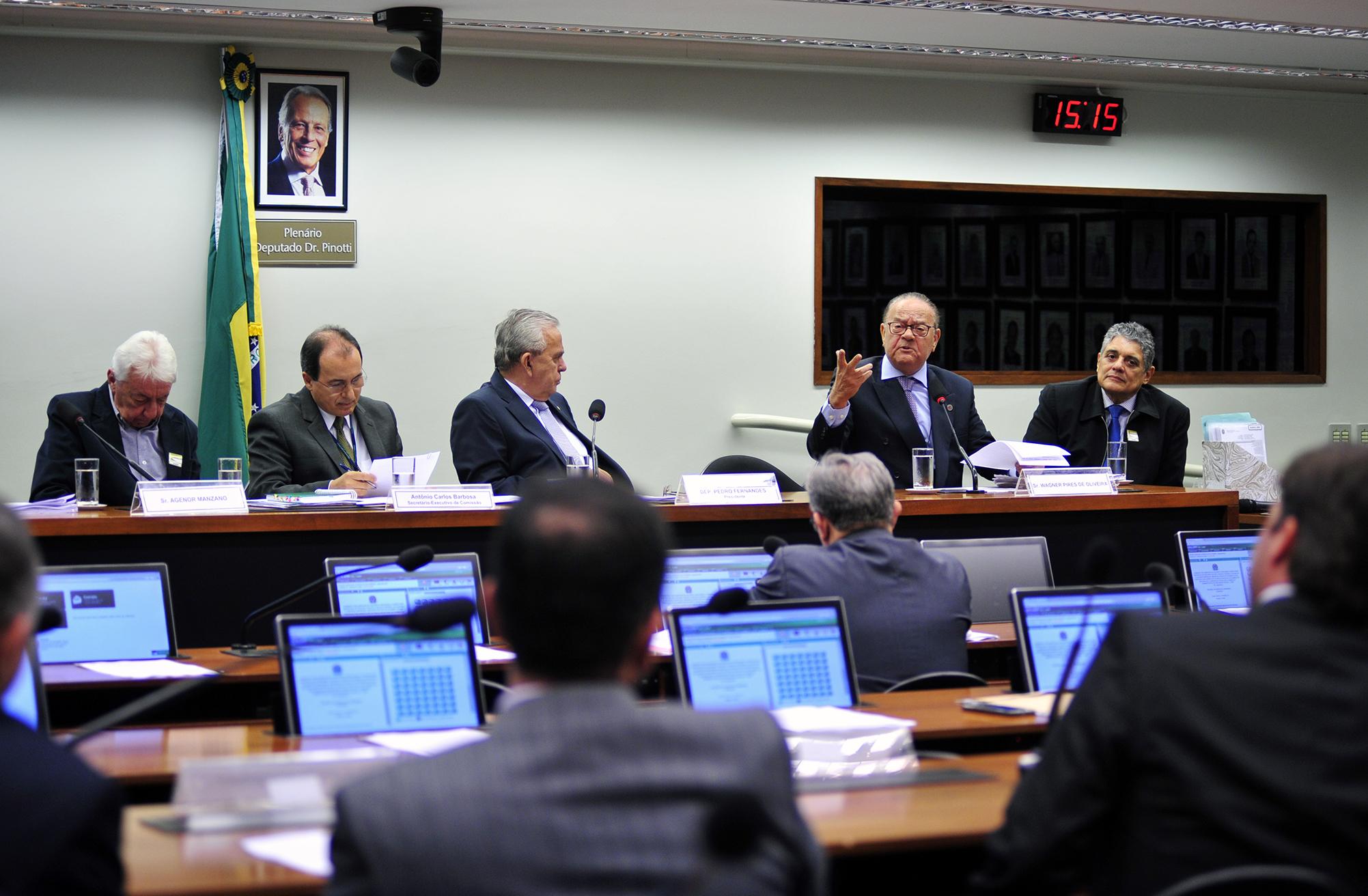 Ex-procurador da Fazenda e ex-auditor negam participação em esquema no Carf