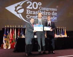 Consultor do Tesouro Estadual recebe prêmio de Contabilidade